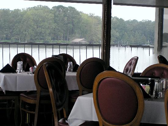 Holiday Inn Express Hotel & Suites Natchitoches: Lake view from The Mariners