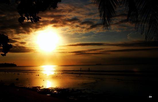 sunset in sikuai island