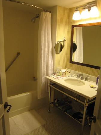 Sheraton Tarrytown Hotel: Bathroom