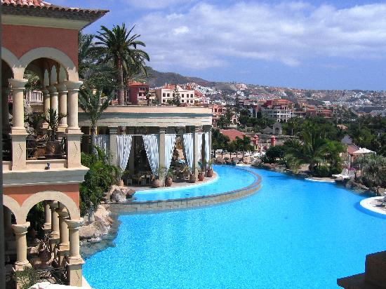 IBEROSTAR Grand Hotel El Mirador: la piscine et le bar pour le soir