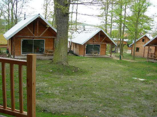 Camping Huttopia Versailles : Huttopia