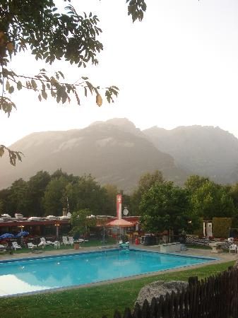 Bella Tola Camping: Swimming Pool (and restaurant complex)