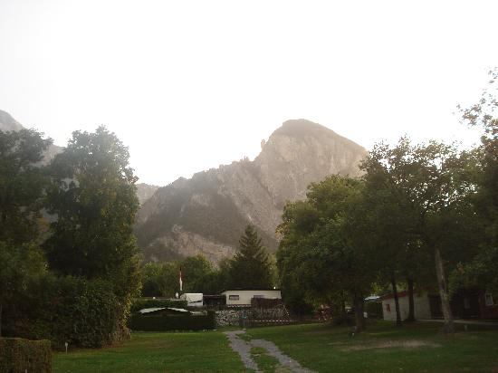Susten, Sveits: Typical view from campsite.