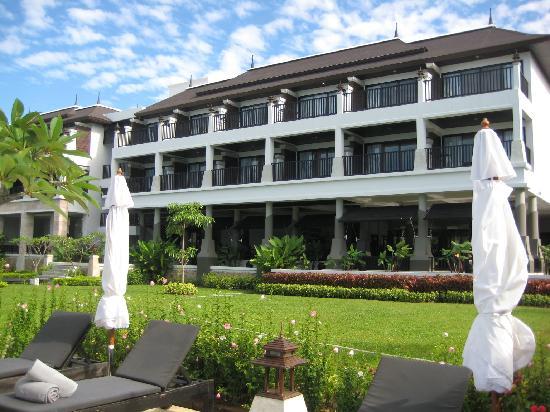Samaya Bura: back of hotel