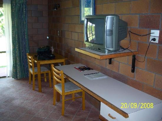 Malanda Lodge Motel: tv
