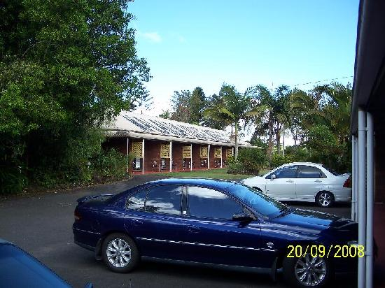 Malanda Lodge Motel: parking