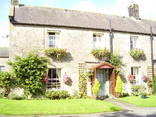 Hallbarns Bed and Breakfast: The property is beautifully maintained