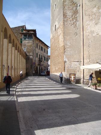 Camere Con Vista: The town