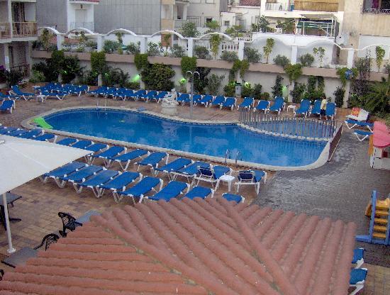 Aparthotel Miami Park : Pool area