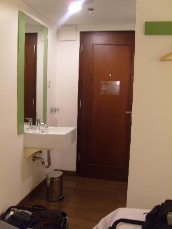 Amaris Hotel Panglima Polim: front door