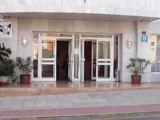 Gran Garbi Mar: entrée de l'hotel