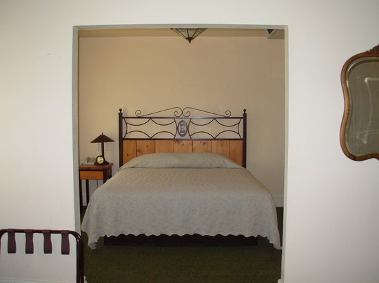 Clayton, NM: Bedroom in Suite