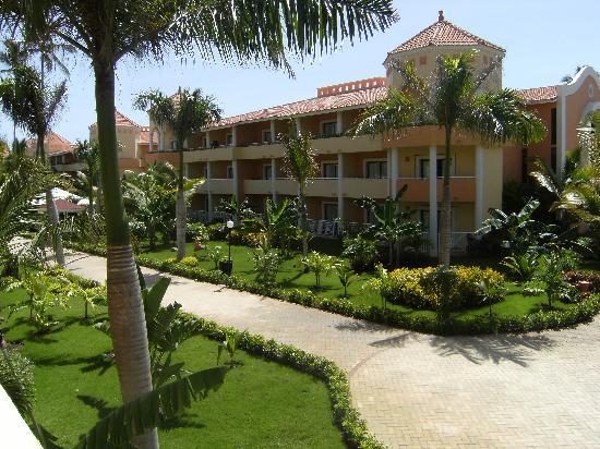Luxury Bahia Principe Ambar Blue Don Pablo Collection: Des bâtiments d'une quarantaine de chambre forme l'hôtel