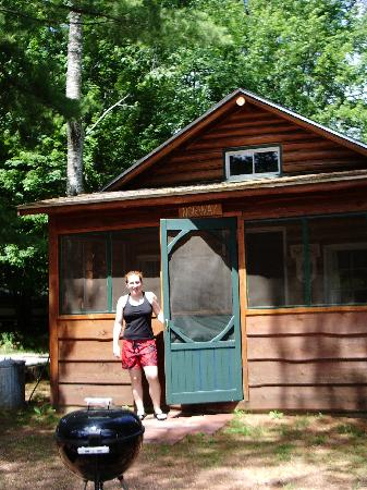 Whispering Pine Lodge: Front of the Norway Cabin