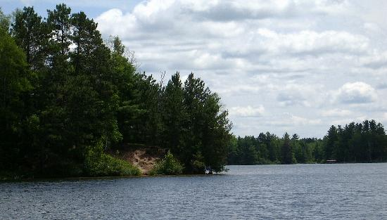 Whispering Pine Lodge: Lake Pickerel Solidtude