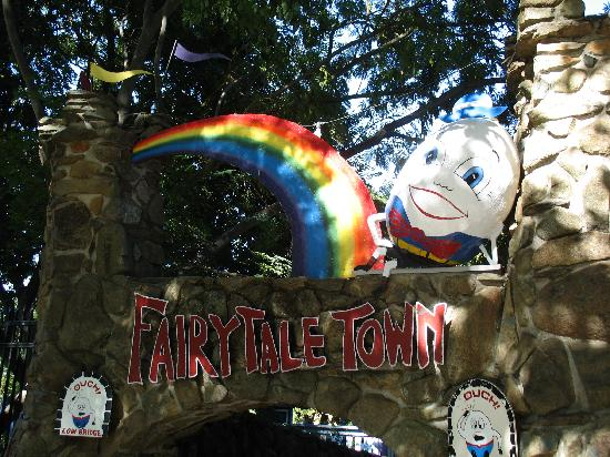 William Land Park: Welcome to Fairytale Town