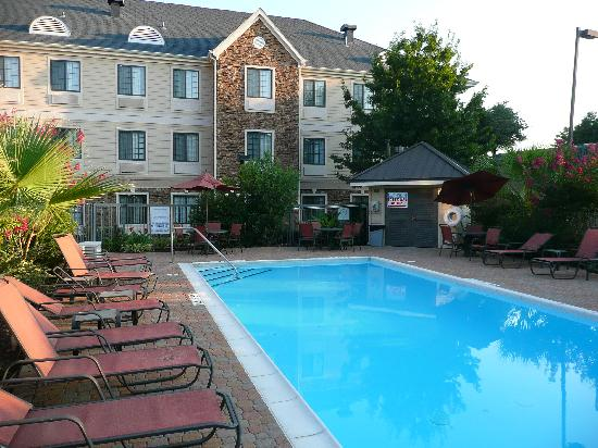 Staybridge Suites Dallas-Las Colinas Area: The pool