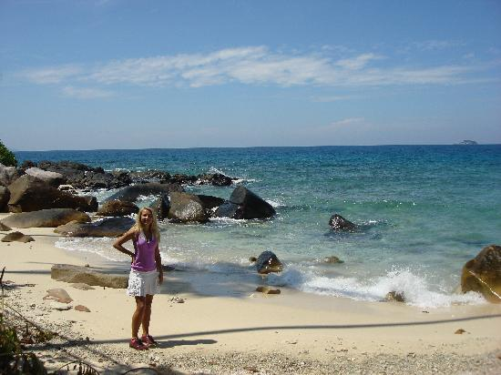 Minang Cove Resort: white sandy secluded beach off the jungle trekk