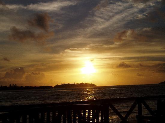 Cinnamon Dhonveli Maldives : Sunset Bar View