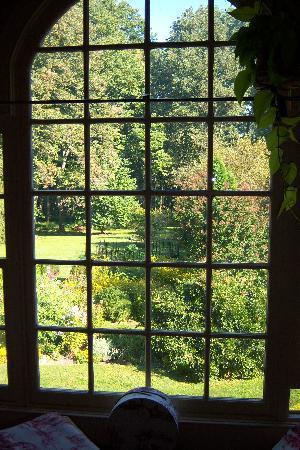The Pennsbury Inn: Winterthur View