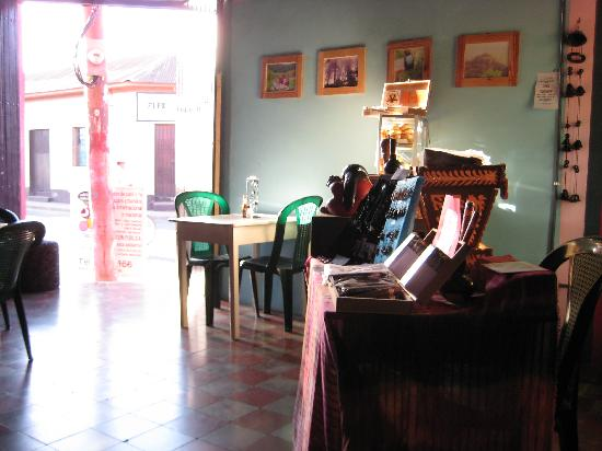 Luna International Hostel: Cafe Luz