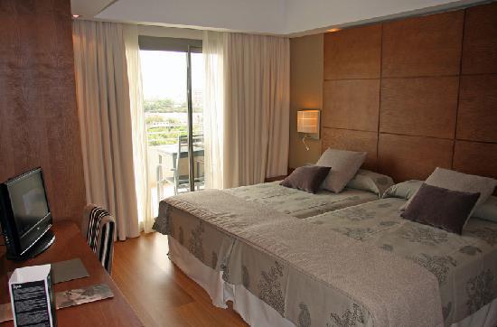 Protur Biomar Gran Hotel & Spa : Junior suite - bedroom area