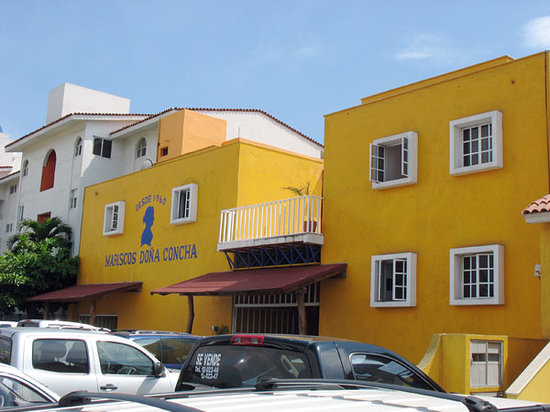 Mariscos Dona Concha: Can't miss the bright yellow exterior