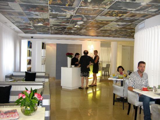 Harmony Hotel Jerusalem - an Atlas Boutique Hotel: Reception and Breakfast area