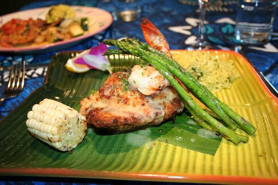 Paia, HI: Mahi Mahi stuffed with crab & lobster