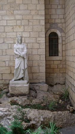 Notre Dame de Sion Ecce Homo Convent: Lots of halls, courtyards and underground passages