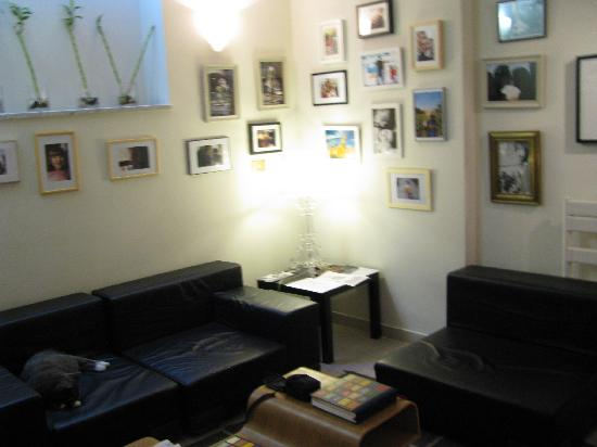 The Beehive: The lounge