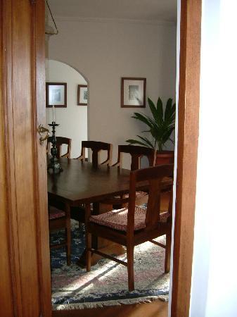 Ceylon Tea Trails: chic dining room