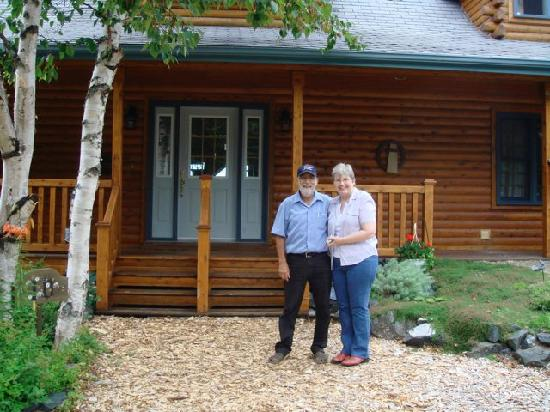 Gite Toutes Saisons Bed & Breakfast : Gite Hosts, Phil and Barb