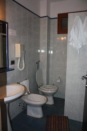 Hotel Riviera, Trappeto, bathroom