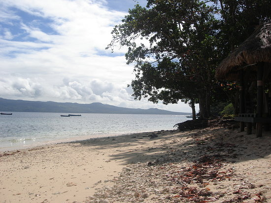 Qamea Island, Fiji: the beach was on the narrow side - all coral during low tide, and barely accessible during high
