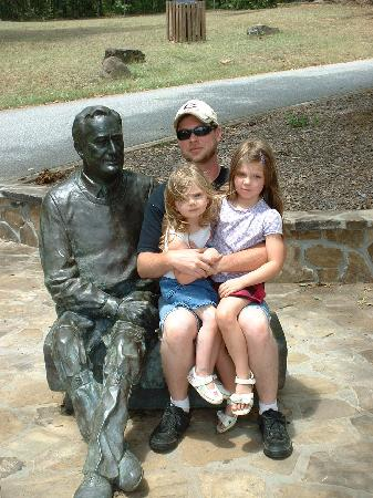 Warm Springs, GA: New FDR statue