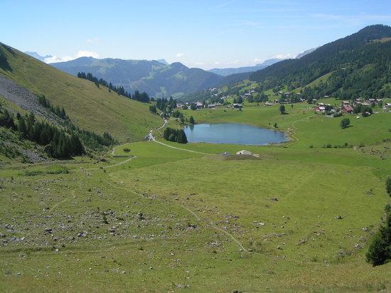 La Clusaz, Francja: le lac des confins, on y croise des marmottes