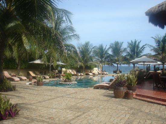 Mia Resort Mui Ne: sailing club pool