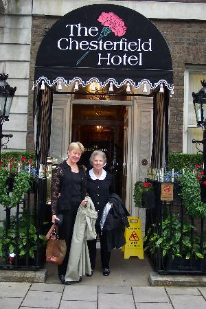 The Chesterfield Mayfair: Mom and I on the way to the theater.