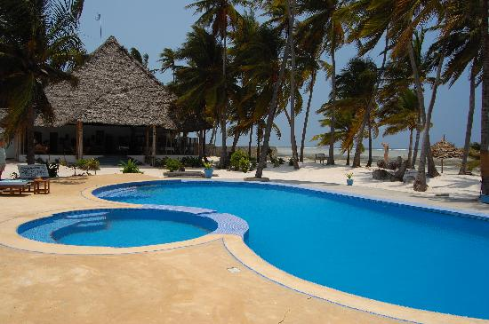 Echo Beach Hotel: Pool