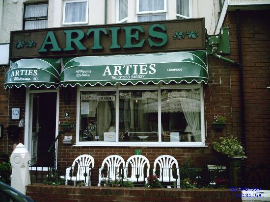 Arties Hotel : Arties