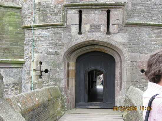 St Mawes, UK: Entrance to Castle. Former guard house/ticket booth behind me.