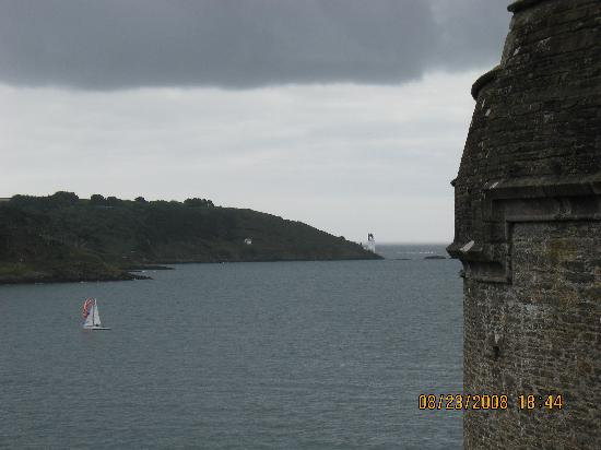 St. Mawes Castle: St. Anthony's Lighthouse on the point.