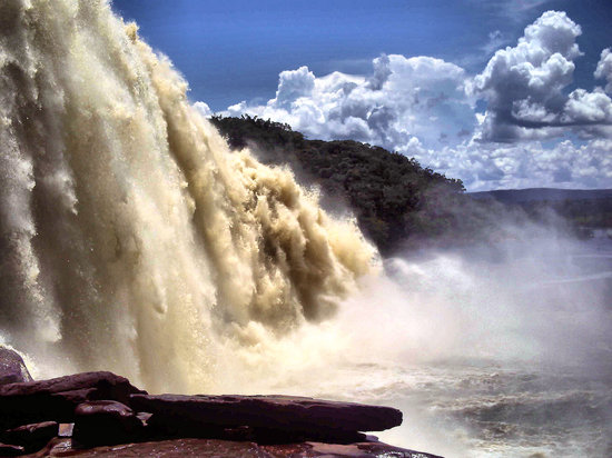 Canaima National Park, Venezuela: El Sapo Falls -what we walked under