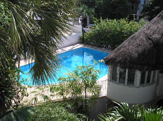 Tropical Escape Hotel: Pool view