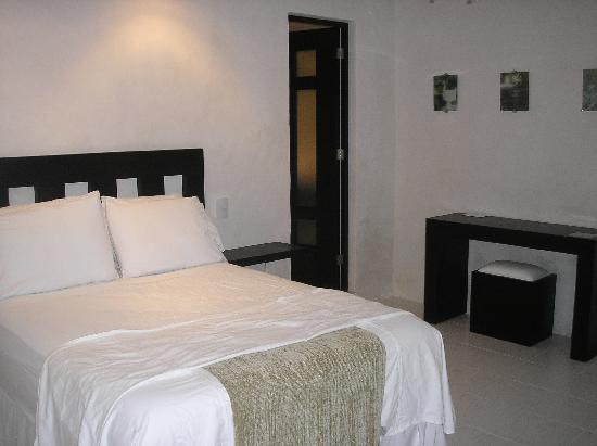 Tropical Escape Hotel: Master room in house