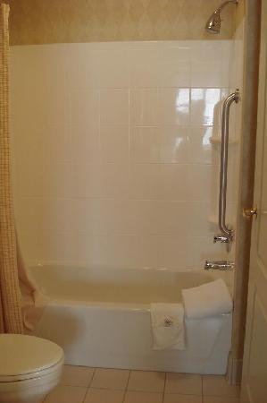 Residence Inn Manassas Battlefield Park: Bathroom