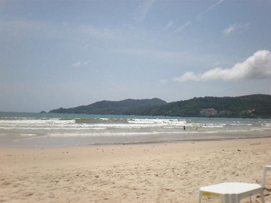 Safari Beach Hotel: Patong Beach
