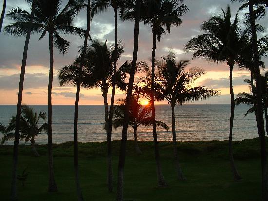 Hale Kai O'kihei: ahhh...the sunsets
