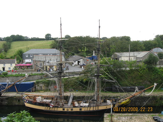 Charlestown Shipwreck & Heritage Centre: Regretfully, I didn't go on board.  I won't miss another chance.
